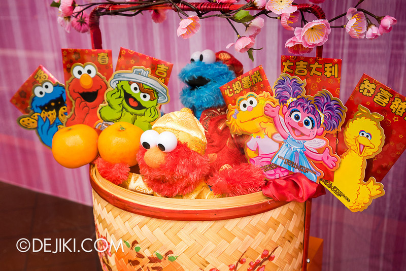 Universal Studios Singapore - Sesame Street-themed Chinese New Year Store Display 2