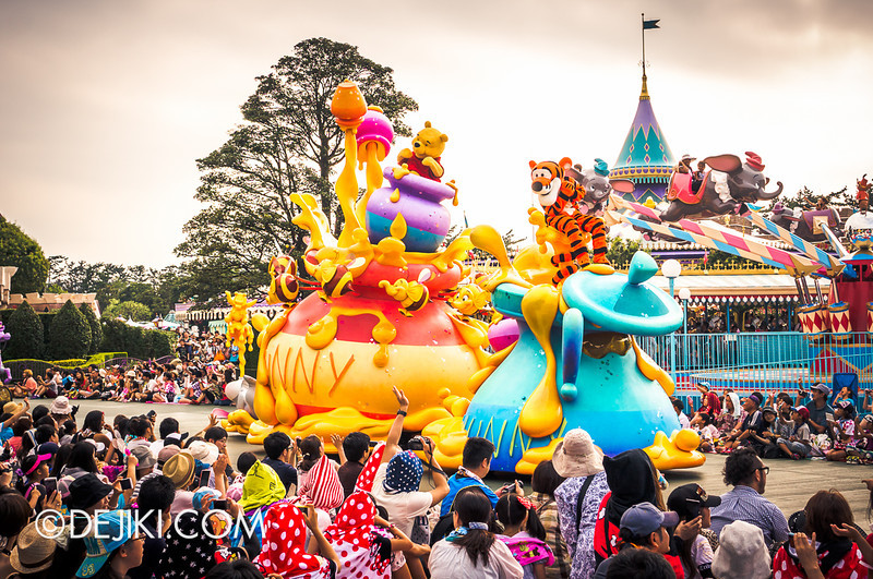 Tokyo Disneyland - Happiness is Here Parade 32 / Winnie the Pooh