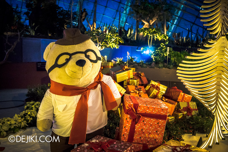 Gardens by the Bay - Yuletide in the Flower Dome at night - Bear and Presents