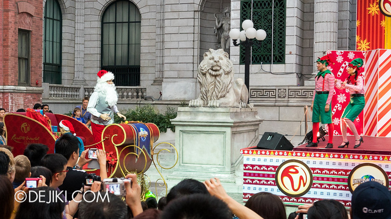 Universal Studios Singapore - Sesame Street Saves Christmas 6