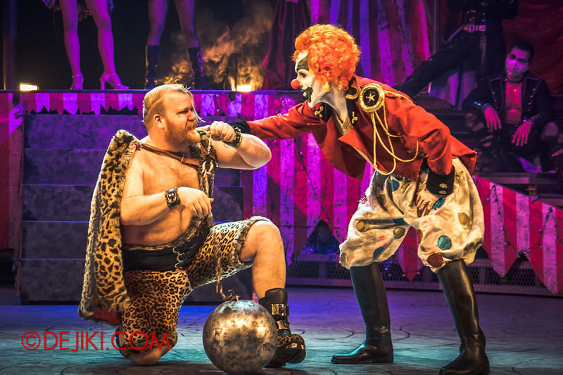 Halloween Horror Nights 4 - Jack's Nightmare Circus - The Animal / The Great Gordo Gamsby, an extreme stunt specialist / Wrecking ball through the tongue 1