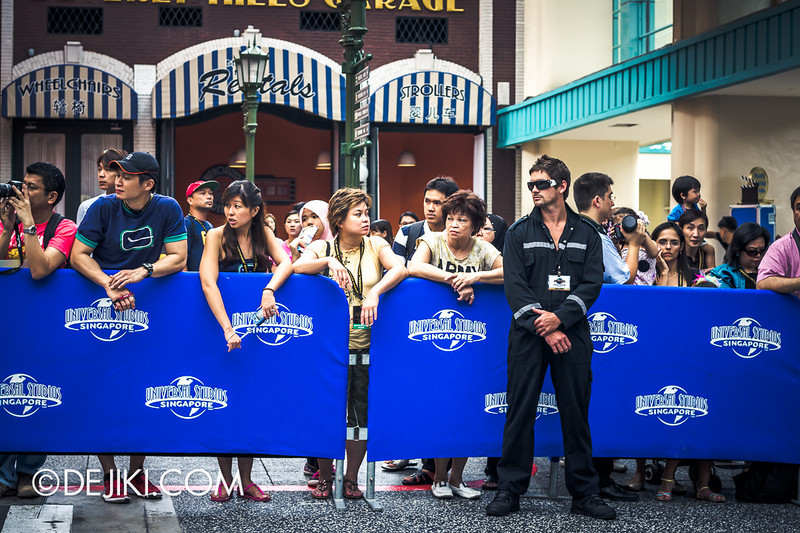 Universal Studios Singapore - Grand Opening 2011 - Waiting for the Parade 2