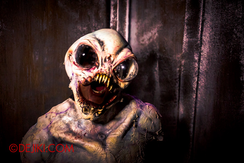 Halloween Horror Nights 4 - The L.A.B Laboratory of Alien Breeding - Alien unleashed