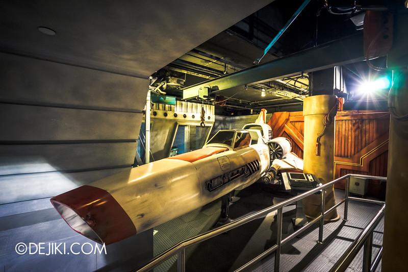 Universal Studios Singapore - Battlestar Galactica: HUMAN vs CYLON dueling roller coaster ride - HUMAN queue / Colonial Viper Mark II - Starbucks Kara Thrace - wide/high
