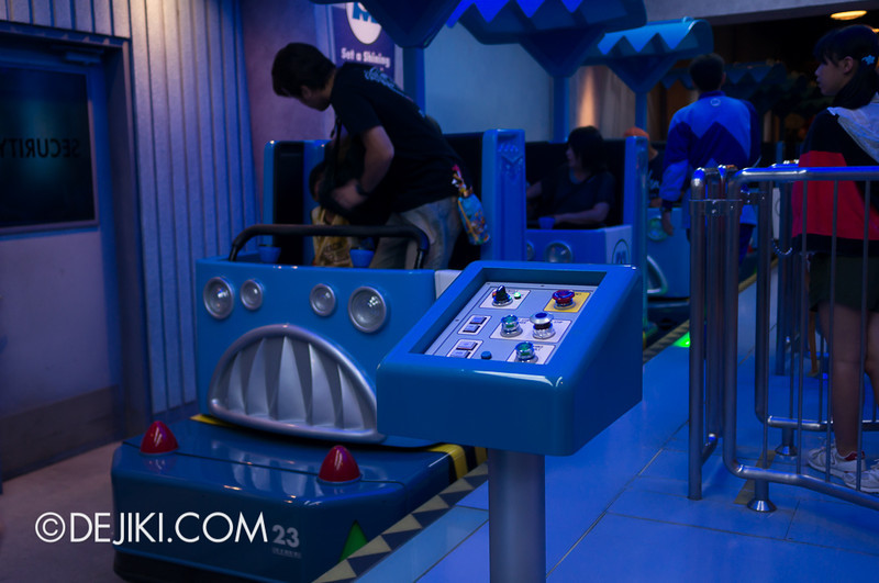 Monsters, Inc: Ride and Go Seek! Loading Platform 3