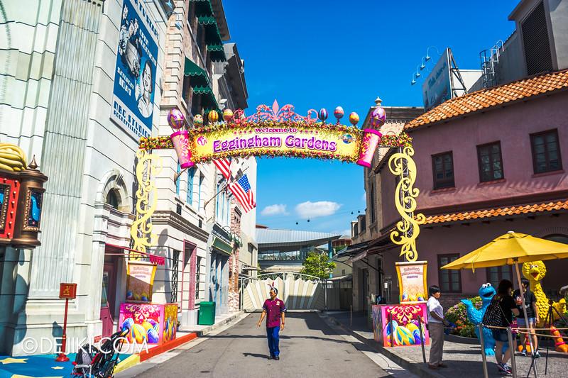 Universal Studios Singapore - Easter Eggstravaganza 2015 - Royal Lunch at Eggingham Gardens / Entrance to Eggingham Gardens