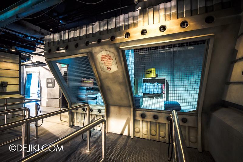Universal Studios Singapore - Battlestar Galactica: HUMAN vs CYLON dueling roller coaster ride - HUMAN queue / deck detail 2