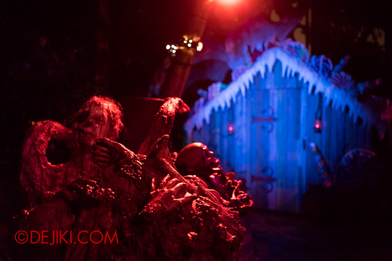 Halloween Horror Nights 4 - Scary Tales scare zone - Hansel and Gretel's Score