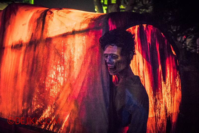 Halloween Horror Nights 4 - Canyon of the Cursed scare zone - The Dead