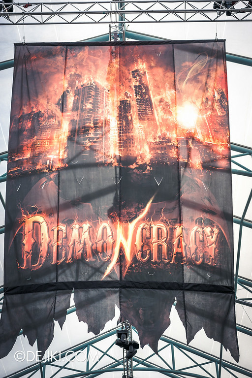 Halloween Horror Nights 4 - Before Dark - DEMONCRACY 1