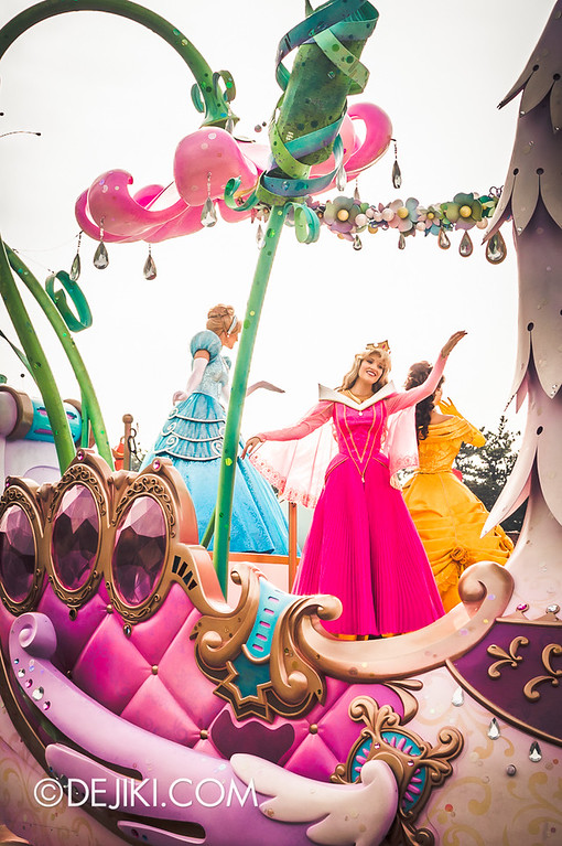 Tokyo Disneyland - Happiness is Here Parade 23 / Princesses and Fairies, Cinderella, Aurora, Belle