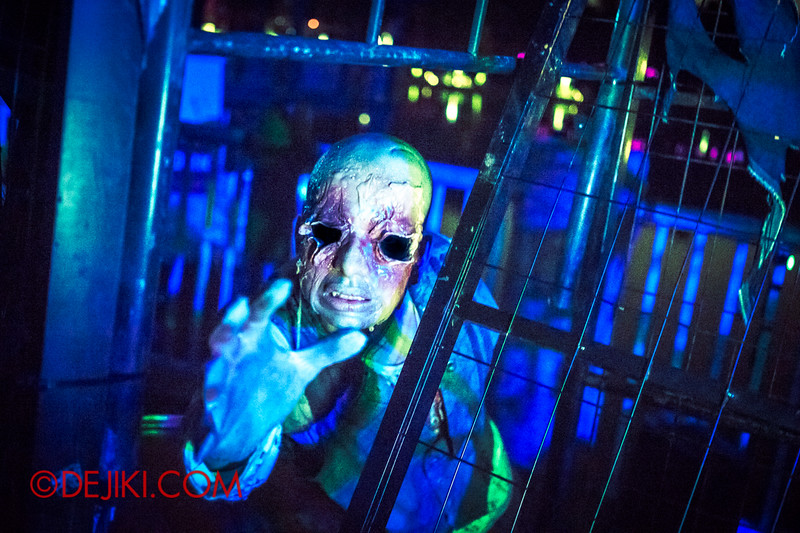 Halloween Horror Nights 4 - Bogeyman scare zone - Blinded 2