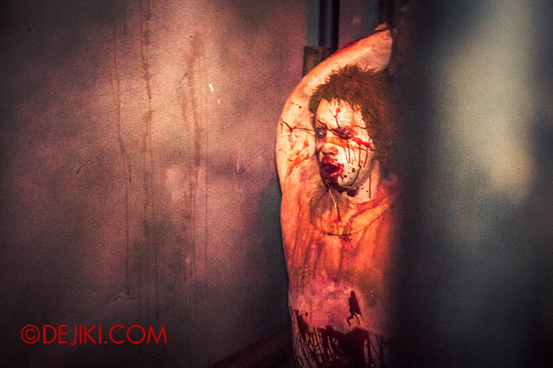 Halloween Horror Nights 4 - MATI CAMP haunted house - Tortured