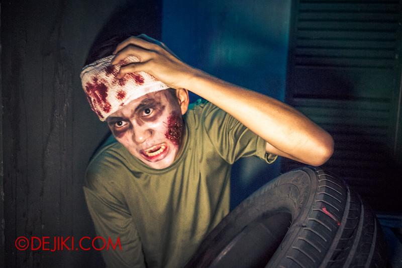 Halloween Horror Nights 4 - MATI CAMP haunted house - Injured recruit