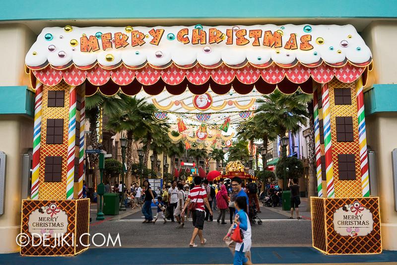 Universal Studios Singapore - Christmas Entrance