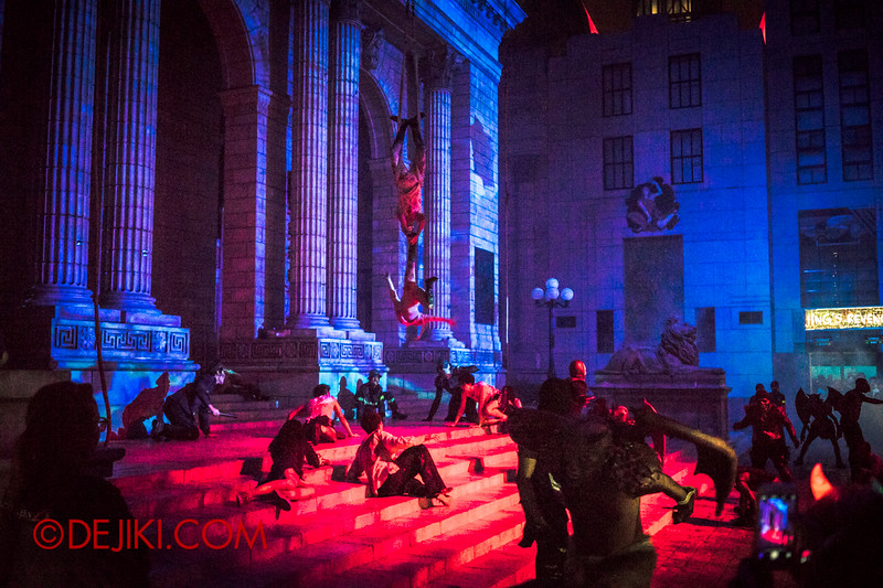 Halloween Horror Nights 4 - DEMONCRACY scare zone - THE EXORCISM street show - Red drama shot