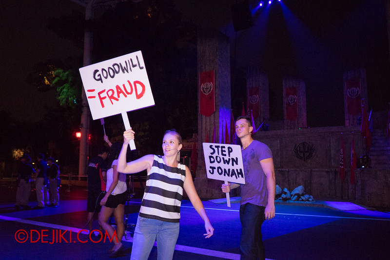 Universal Studios Singapore - Halloween Horror Nights 4 - Protesters at the Opening Scaremony
