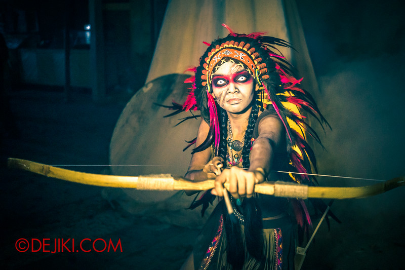 Halloween Horror Nights 4 - Canyon of the Cursed scare zone - Spirit Warrior arrow