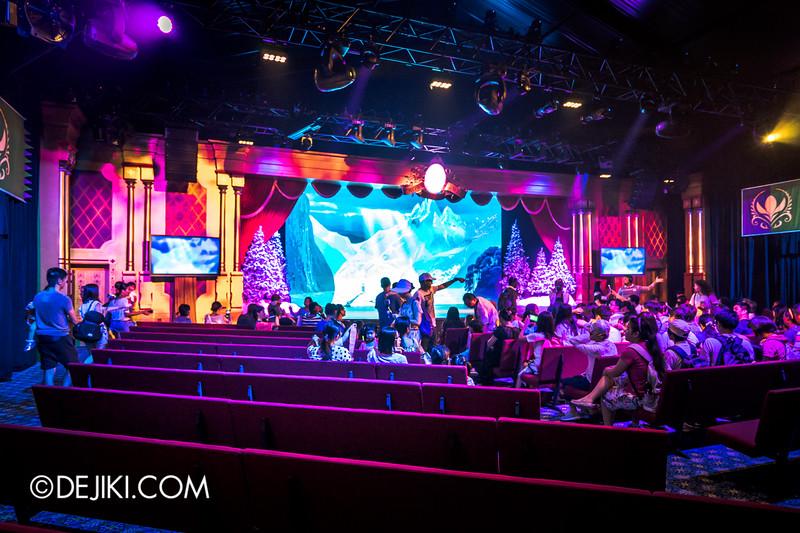 Hong Kong Disneyland - Frozen Village / Inside the Crown Jewel Theater