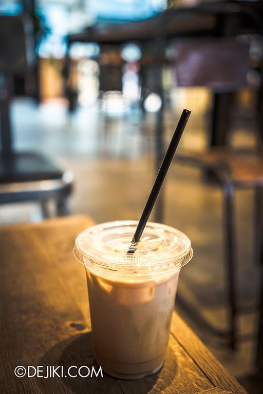 LATTEST OMOTESANDO Espresso Bar 16 - Iced Hazelnut Latte