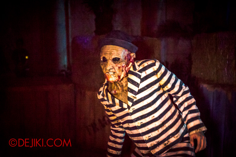 Halloween Horror Nights 4 - Canyon of the Cursed scare zone - Stripey suit