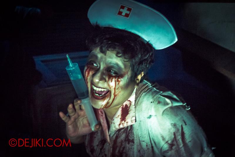 Halloween Horror Nights 4 - MATI CAMP haunted house - Evil Nurse