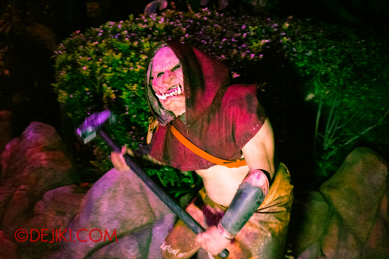Halloween Horror Nights 4 - Scary Tales scare zone - Orc