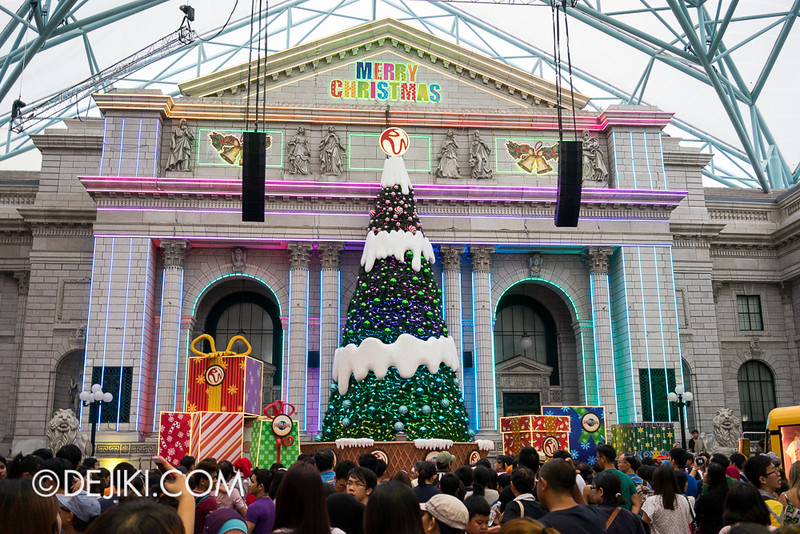 Universal Studios Singapore - Christmas at New York