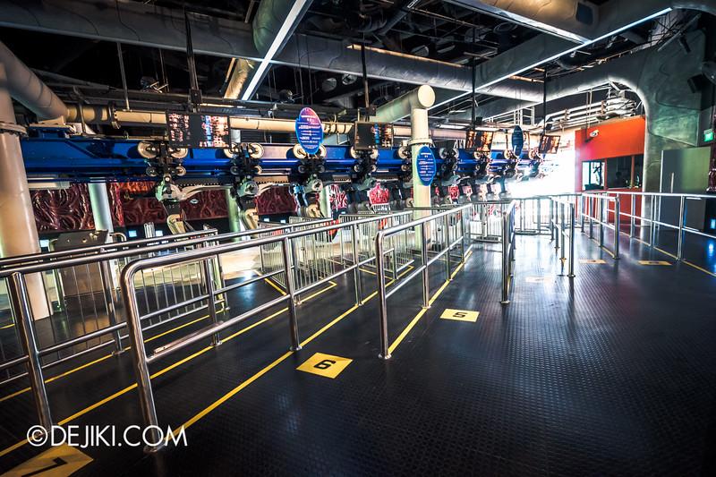 Universal Studios Singapore - Battlestar Galactica: HUMAN vs CYLON dueling roller coaster ride - CYLON Basestar Loading Platform