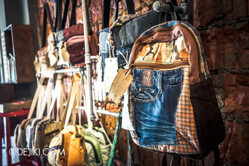 Carry On Cafe 4 - Yadu bags and backpack