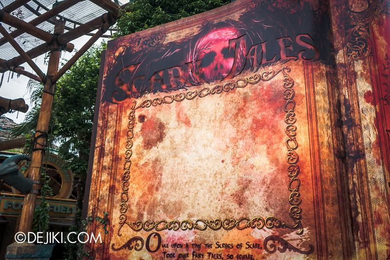 Halloween Horror Nights 4 Singapore - Before Dark 3 - Scary Tales scare zone - Giant book page / Projection screen