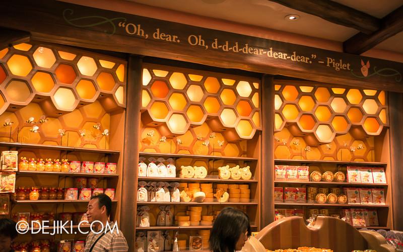 Tokyo Disneyland - Pooh's Hunny Hunt, Pooh Corner