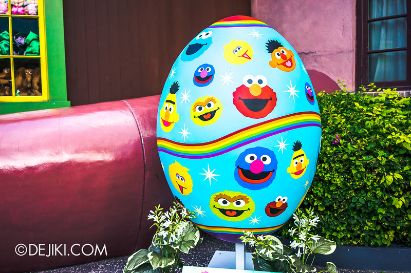 Universal Studios Singapore - Giant Easter Egg