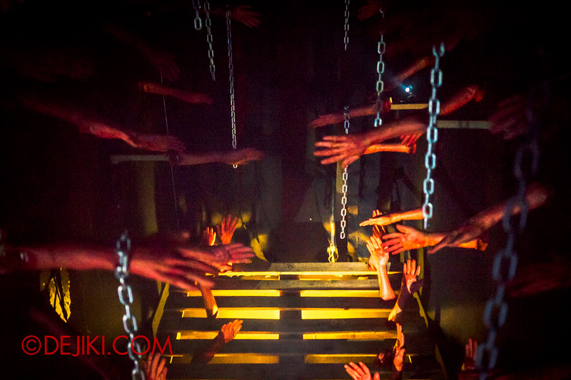 Downtown East - Escape to 'Hell'oween - The Terror Maze Haunted House 8 / The Corridor of Hands