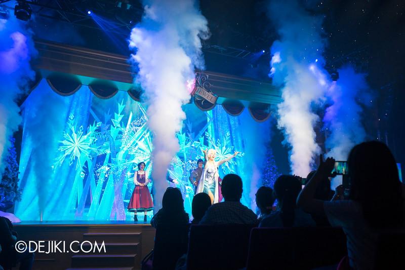 Hong Kong Disneyland - Frozen Village / Frozen Festival Show / Elsa singing at the LET IT GO Finale