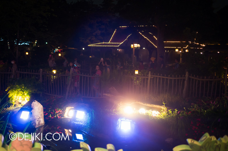Tokyo Disneyland - Pooh's Hunny Hunt queue 6