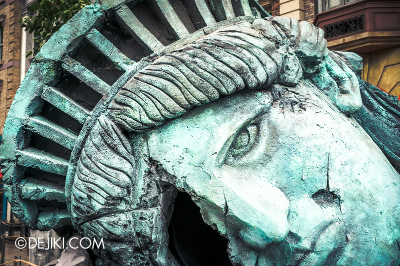 Halloween Horror Nights 4 - Before Dark - DEMONCRACY 4 / Lady Liberty falls