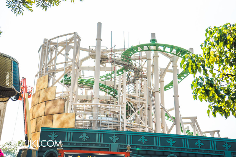 Universal Studios Singapore - Park Update October 2014 - Puss in Boot's Giant Journey construction update 2