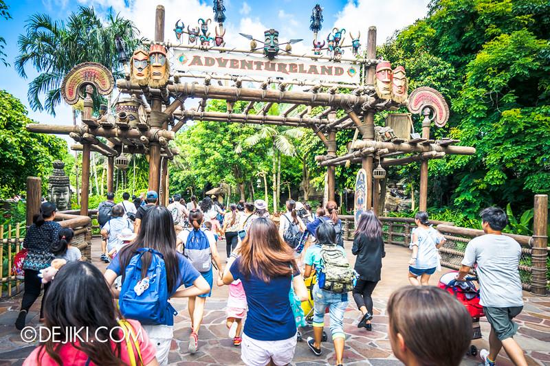 Hong Kong Disneyland - Frozen Village / Race  in Adventureland