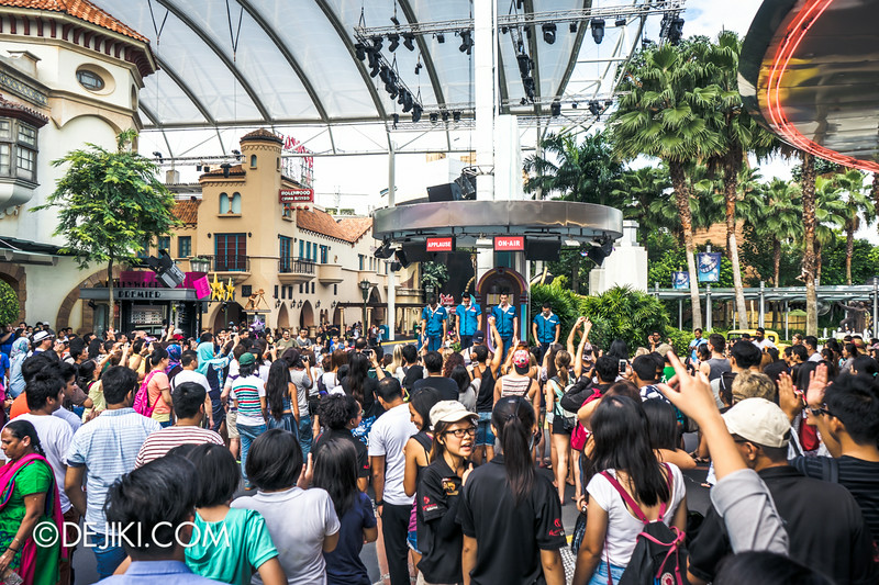 Universal Studios Singapore - Park Update September 2014 - Incredible turnout for The Cruisers