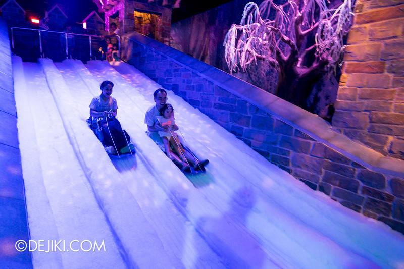 Hong Kong Disneyland - Frozen Village / Frozen Village Square - Kristoff's Toboggan Slide Ride 3
