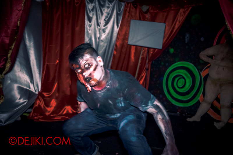 Sentosa Spooktacular 2014 - COUNTDOWN Haunted House / 3D maze - the stage