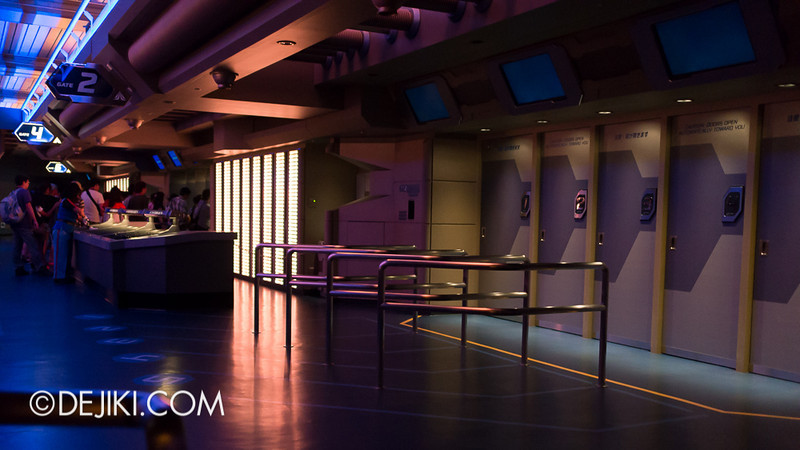 Star Tours: The Adventures Continue, loading bay