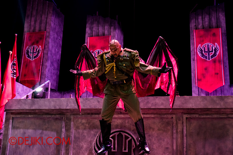 Universal Studios Singapore - Halloween Horror Nights 4 - Minister of Evil levitating 3