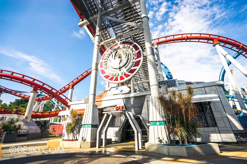 Universal Studios Singapore - Battlestar Galactica: HUMAN vs CYLON dueling roller coaster ride - Reopening Day!