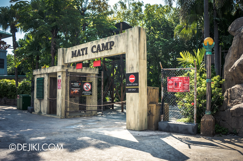 Halloween Horror Nights 4 Singapore - Before Dark 4 - MATI CAMP - Camp Gates