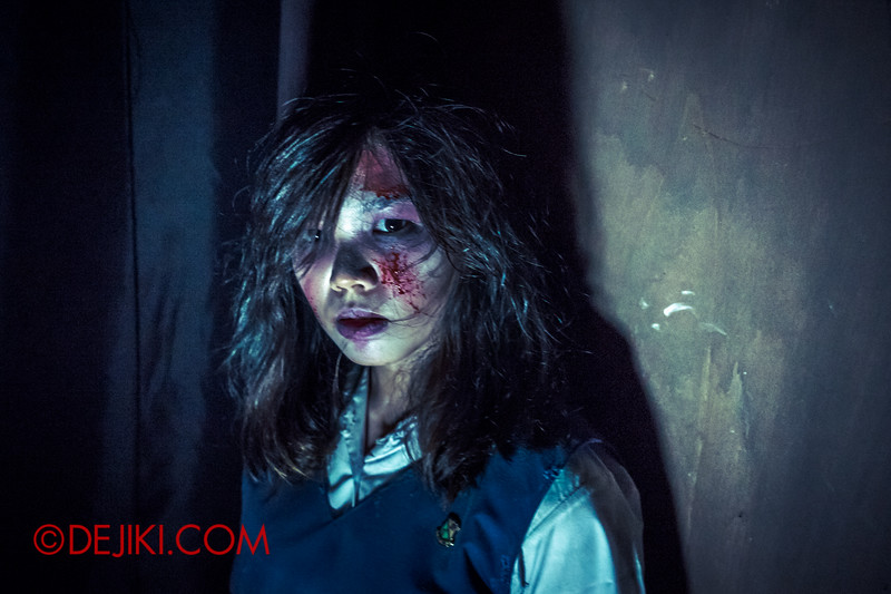 Halloween Horror Nights 4 - Jing's Revenge haunted house - Jing's classmate