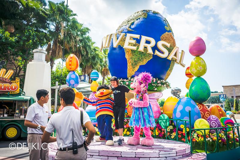 Universal Studios Singapore - Easter Eggstravaganza 2015 - Sesame Street photo op at Universal Egg Globe