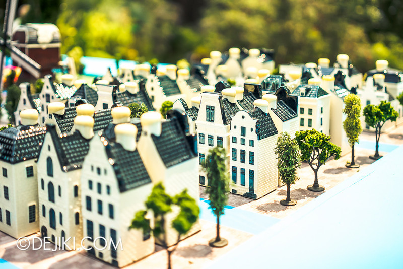 Gardens by the Bay - Tulipmania 2014 - Miniature houses close-up 3A