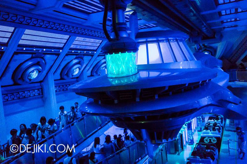 Tokyo Disneyland - Tomorrowland / Space Mountain 9